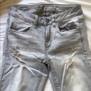 American Eagle Distressed Pants in Light Grey